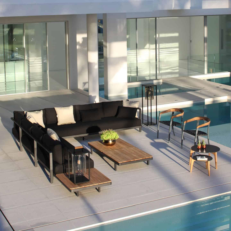 Мебели за външни условия RB
